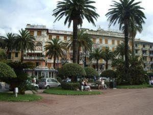 奧博爾格拉皮亞澤塔酒店(Albergo La Piazzetta)