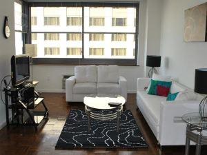 紐波特公寓(M Suites at Newport)