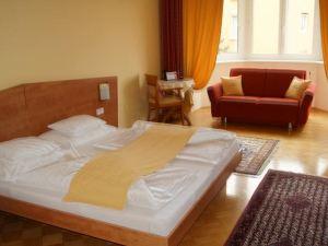 德爾馬里恩霍夫賈尼酒店(Der Marienhof Hotel Garni)