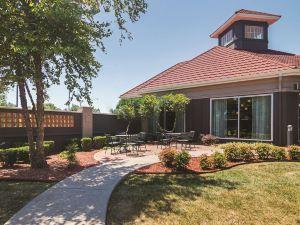 俄克拉何馬城西北高速公路拉昆塔套房酒店(La Quinta Inn & Suites Oklahoma City North West Expressway)