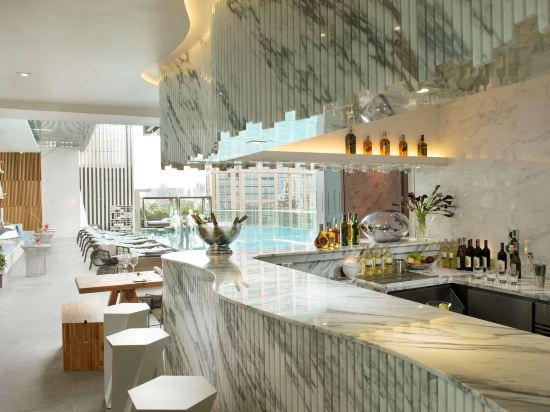 曼谷素坤逸希爾頓酒店(Hilton Sukhumvit Bangkok)酒吧