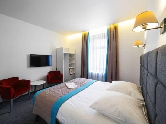 維隆帕弗里斯卡亞酒店
