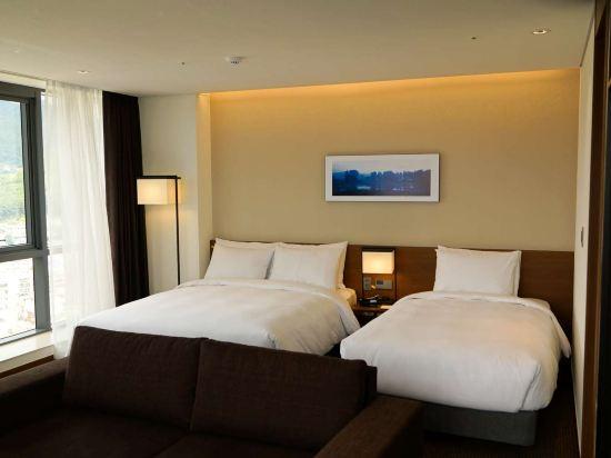 釜山海雲台温德姆華美達安可酒店(Ramada Encore by Wyndham Busan Haeundae)角落雙床套房