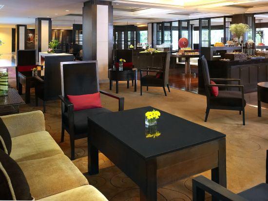 曼谷河畔安納塔拉度假酒店(Anantara Riverside Bangkok Resort)酒吧