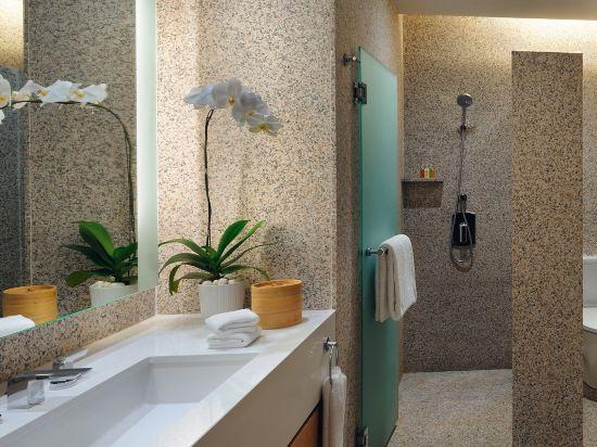 新加坡聖淘沙艾美酒店(Le Méridien Singapore, Sentosa)經典房