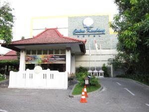 脈輪花酒店(Cakra Kembang Hotel)