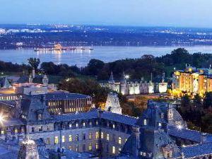 勞里爾堡酒店(Hotel Chateau Laurier Québec)