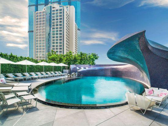 曼谷W酒店(W Bangkok Hotel)室外游泳池