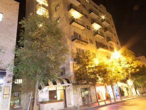 希勒爾11旅館