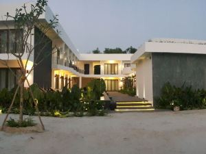 雷恩度假酒店(Ren Resort)