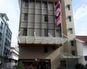 中央2號之酒店