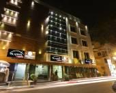 普拉佳瓦爾芒果酒店