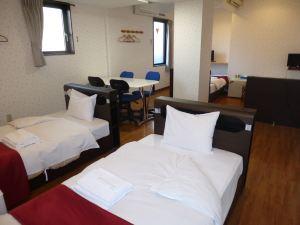 河畔岡山酒店