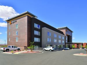 鮑威爾湖拉昆塔套房酒店(La Quinta Inn & Suites Page at Lake Powell)