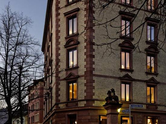 利波爾提那林登貝格酒店