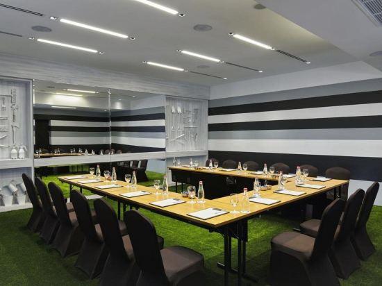曼谷素坤逸15巷瑞享酒店(Mövenpick Hotel Sukhumvit 15 Bangkok)餐廳