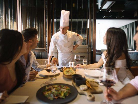 曼谷素坤逸希爾頓酒店(Hilton Sukhumvit Bangkok)餐廳