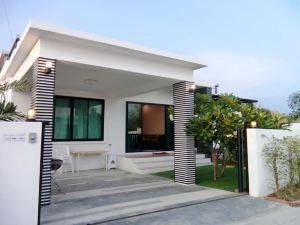 艾琳泳池別墅酒店(Airrin Pool Villa)