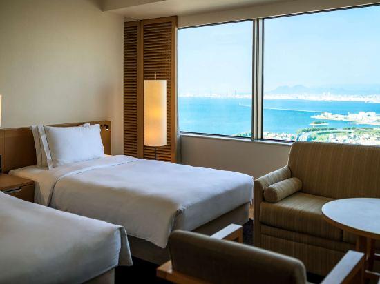 福岡海鷹希爾頓酒店(Hilton Fukuoka Sea Hawk)行政豪華三人間