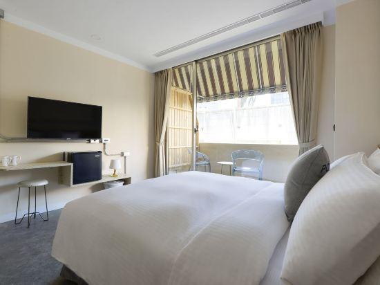 台中莿桐花文創微旅(Napas Hotel)豪華陽台雙人房