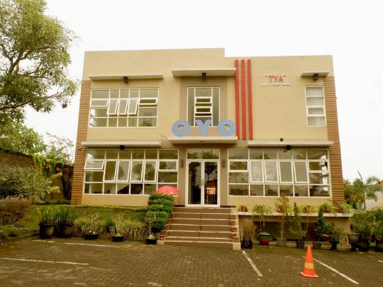 Tya Guest House Reviews For 3 Star Hotels In Malang Trip Com