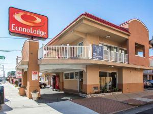靠近海灘和木板路的伊克諾旅館酒店(Econo Lodge Beach and Boardwalk)