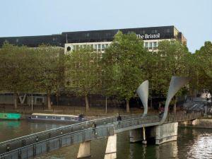 布里斯托爾酒店(The Bristol Hotel)