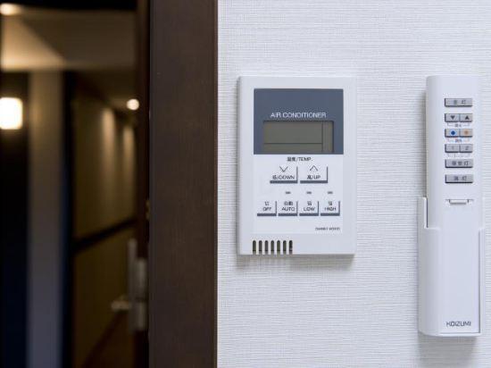東京新宿新麗飯店(Hotel Sunlite Shinjuku Tokyo)小間大床房(主樓)
