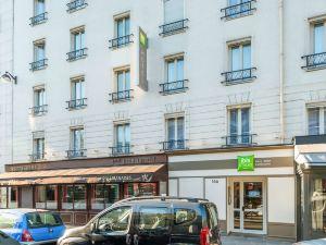 巴黎埃菲爾鐵塔康布羅納宜必思尚品酒店