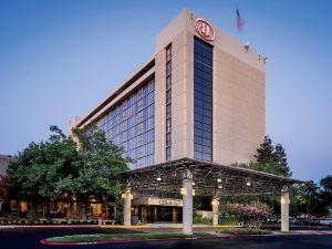 希爾頓薩克拉門托雅頓西酒店(Hilton Sacramento Arden West)