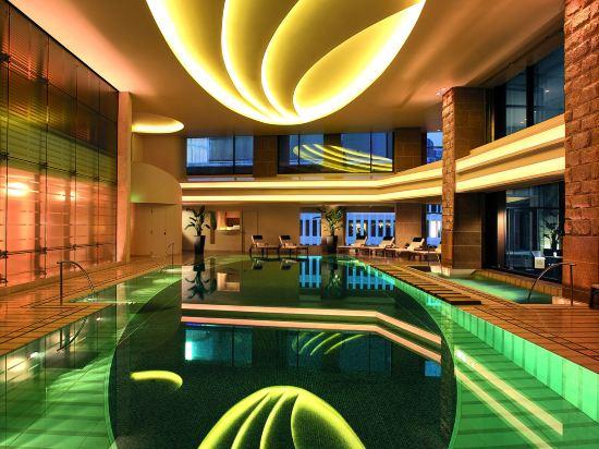 東京半島酒店(The Peninsula Tokyo)室內游泳池