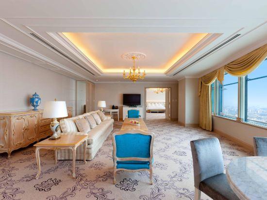 福岡海鷹希爾頓酒店(Hilton Fukuoka Sea Hawk)豪華行政特大床套房
