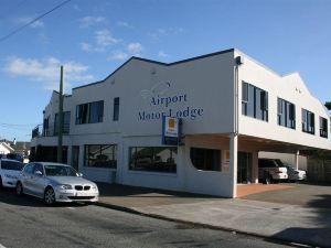 機場汽車旅館