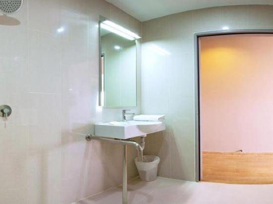曼谷阿索克紅色行星酒店(Red Planet Bangkok Asoke)標準房