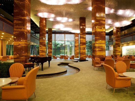 大阪麗嘉皇家酒店(Rihga Royal Hotel)酒吧