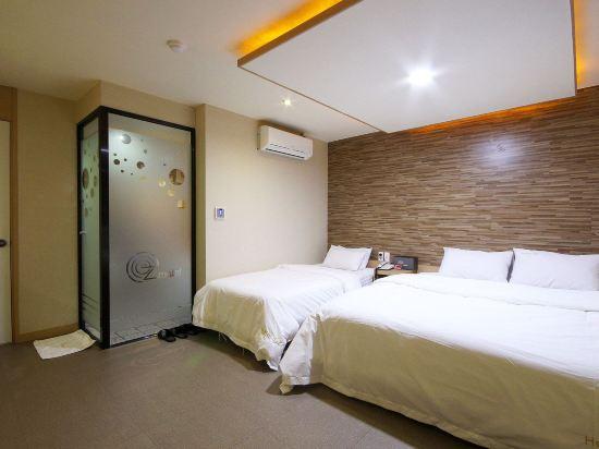 OZ温泉浴場酒店(Hotel OZ Oncheonjang)貴賓雙床房