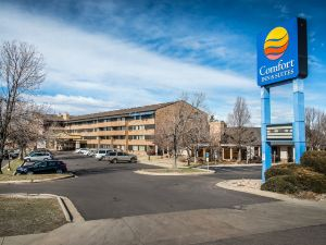 丹佛舒適套房酒店(Comfort Inn & Suites Denver)