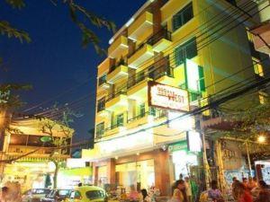 曼谷薩庫豪斯酒店(Sakul House Bangkok)
