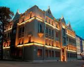 蘭卡斯特庭院酒店