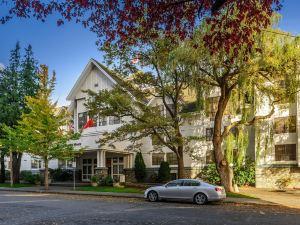 亨廷頓莊園酒店(Huntingdon Manor Hotel)