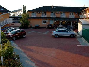 塞西爾酒店(Hotel-Penzion Zacher)