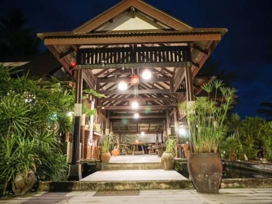 艾姆蘇梅島度假酒店