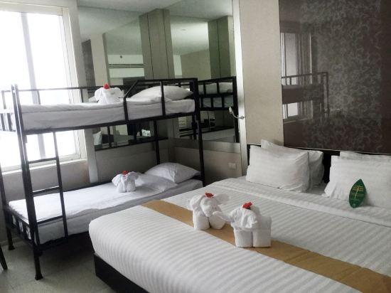 中間點曼達林大酒店(Mandarin Hotel Managed by Centre Point)豪華四人房