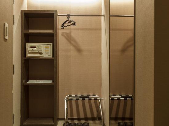 台北樂客商旅(Look Hotel)標準雙床間(無窗)