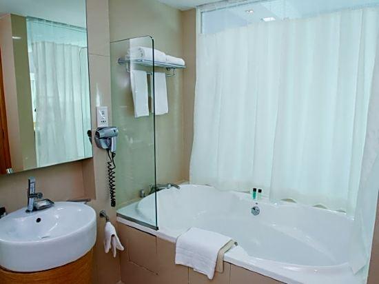新加坡悅樂樟宜酒店(Village Hotel Changi by Far East Hospitality)行政套房
