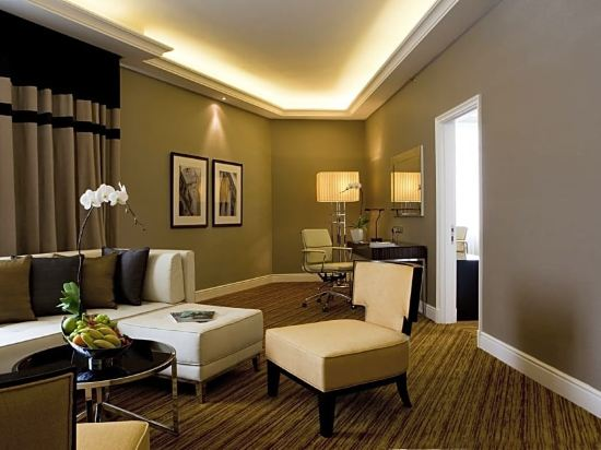 吉隆坡大華酒店 - 傲途格精選酒店(The Majestic Hotel Kuala Lumpur, Autograph Collection)尊貴套房(塔翼)
