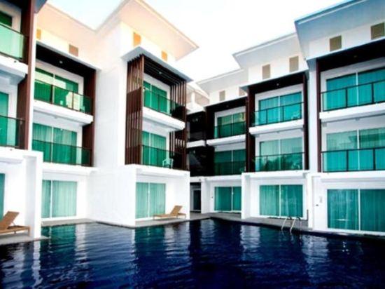 普里瑪旺加瑪酒店(Prima Wongamat Hotel)室外游泳池