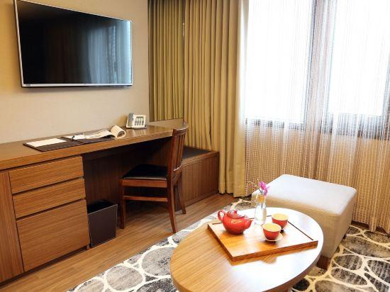 釜山商務酒店(Busan Business Hotel)轉角豪華大床房房