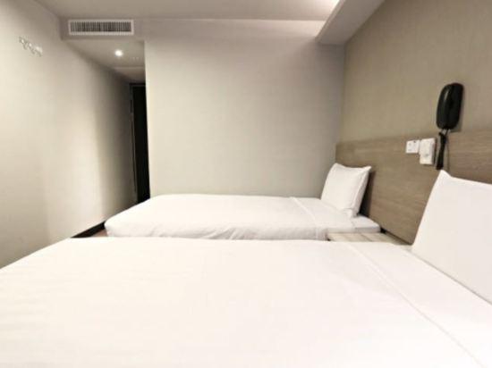 台中巧合大飯店(Chance Hotel)經濟雙床間(無窗)