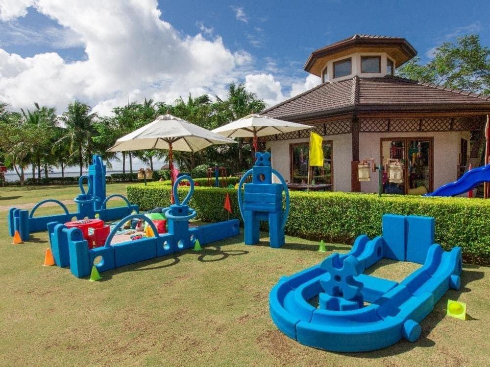 Crimson Resort and Spa Mactan Cebu, Hotel reviews and Room rates